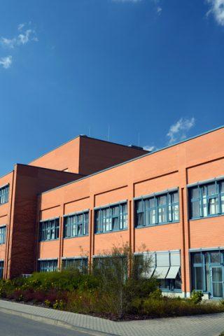 modernes Fabrikgebäude // modern factory building